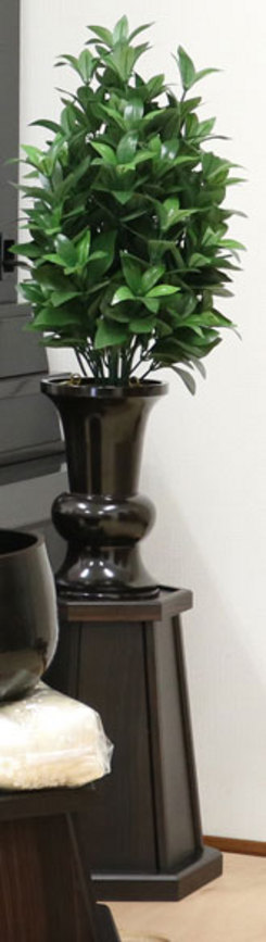 昔の仏壇なのだが、花台が欲しいのだが、なかなか見つからなくて電話した。