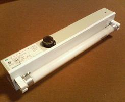 6wの蛍光灯が点灯しない:大型家電店で蛍光管+グローランプ購入交換してください