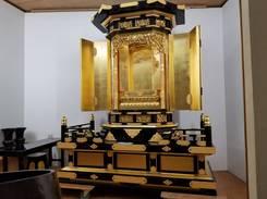 本日の中古仏壇クリーニングは下台全般と左右の欄干