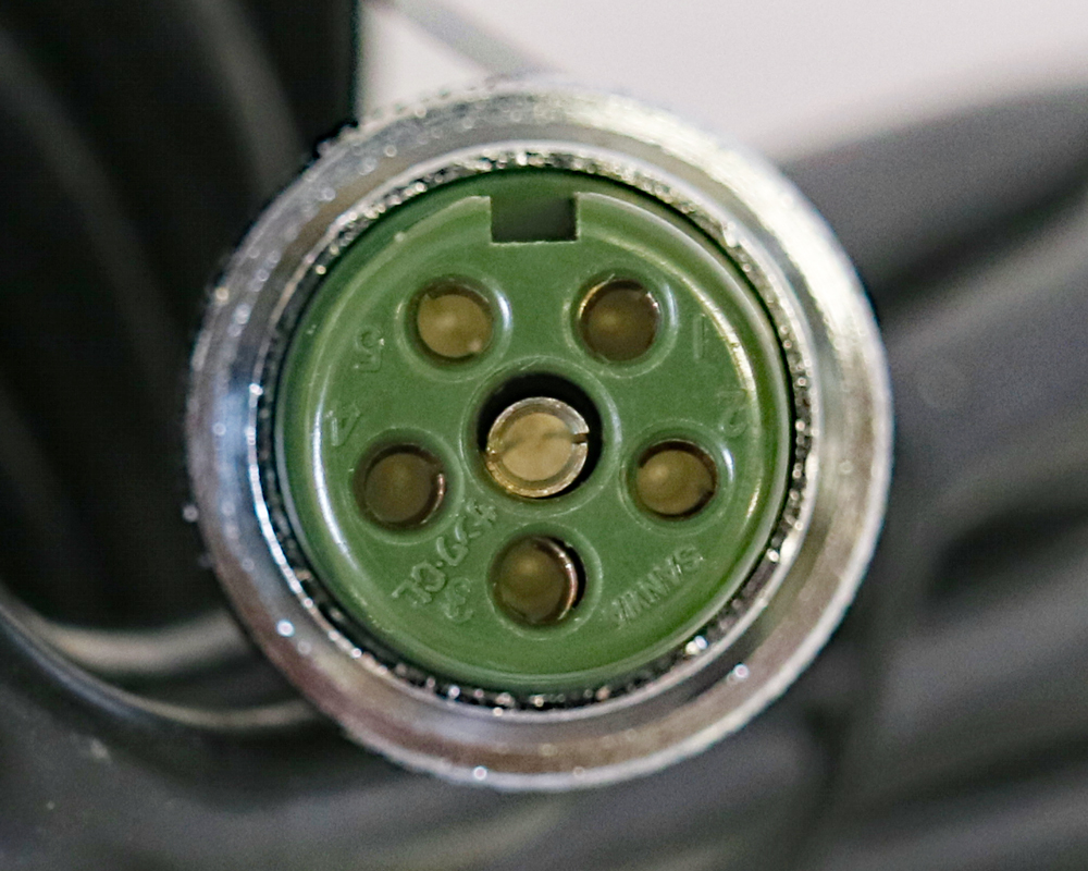 創価学会 スイッチボックス ヨシダ Y-731W型のコネクター6ピン